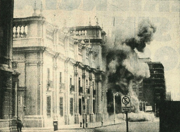 File:Bombing of presidential palace in Chile.jpg